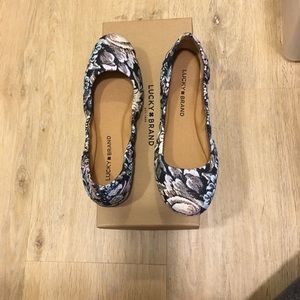 Lucky Brand floral print embroidered flats